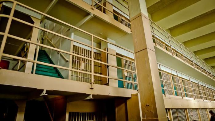 Тюрьма Алькатрас и ее знаменитый побег тюрьма, алькатрас