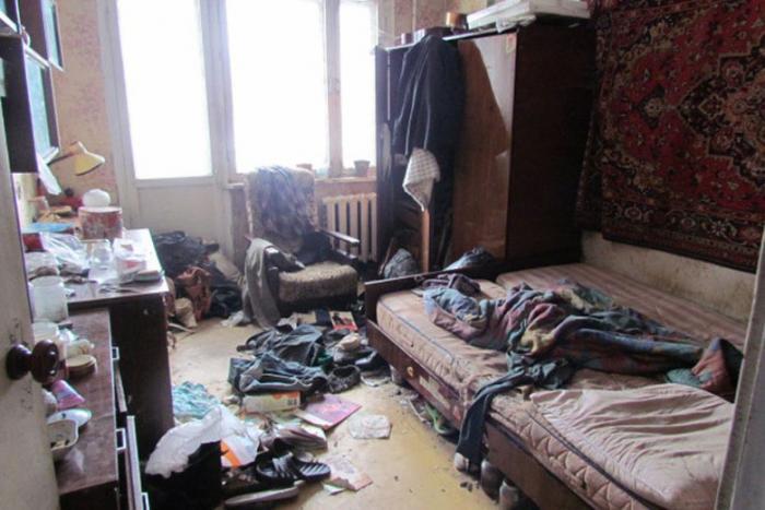 Что делать с кроватью, часами и другими вещами умершего родственника (4 фото)