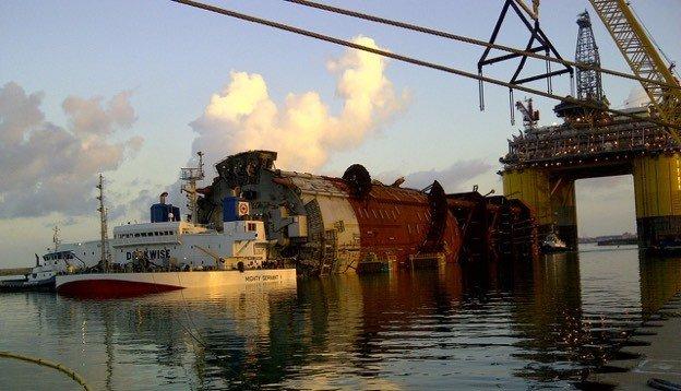 Самый большой корабль во всем мире (18 фото + 2 видео)
