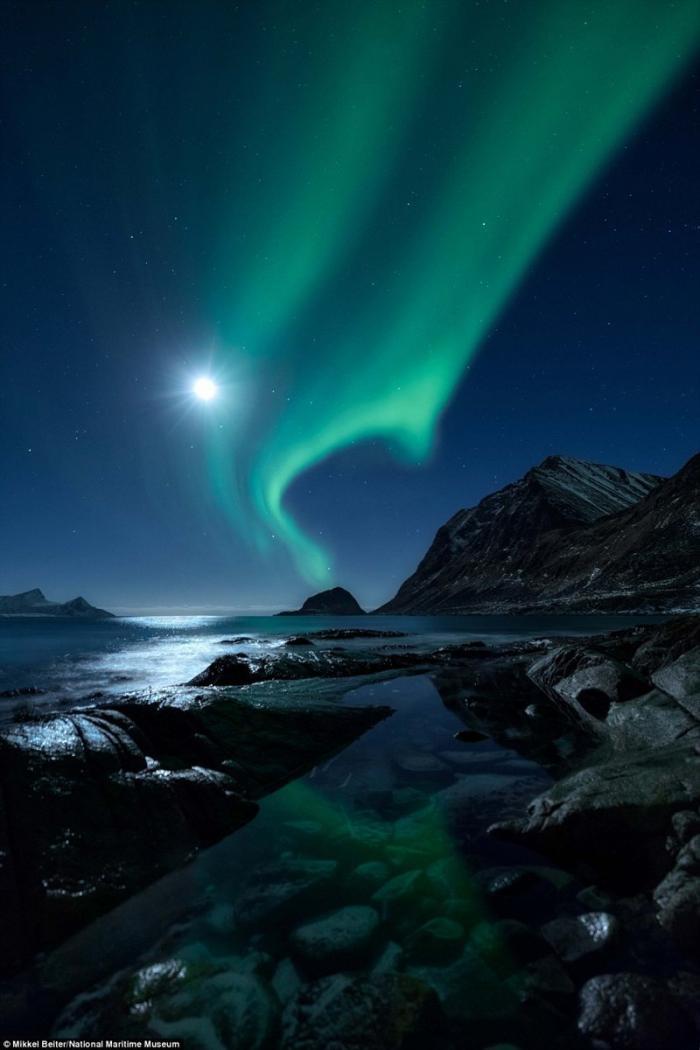 Северное сияние. Миккель Бейтер, Дания. астрономия, конкурс, космос, красиво, лучшее, планеты, фото, фотографы