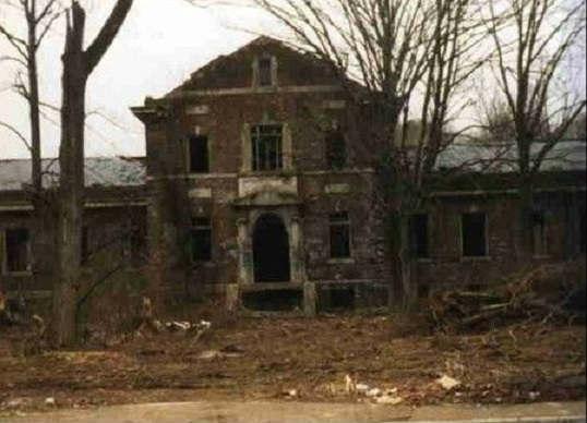 """Жуткие легенды вокруг заброшенного """"Адского города"""" в штате Огайо (5 фото)"""