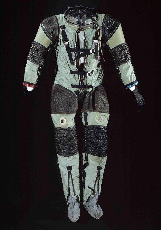 SPD-143 Suit