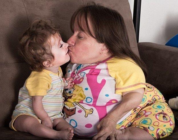 Врачи предупреждали Стейси о том, что с ее особенностями беременеть и рожать слишком опасно Стейси Геральд, болезнь, жизнь, истории, маты, несовершенный остеогенез, смерть