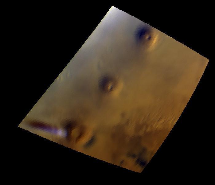 Вот уже второй месяц над Марсом висит странное облако, удивляющее ученых (4 фото)