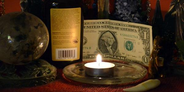 Как используется черная магия на деньги