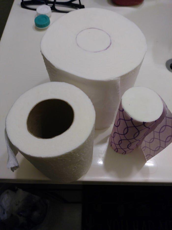 Во втулку рулона японской туалетной бумаги вставтяется мини-рулончик, который можно брать с собой в дорогу XXII век, вперед в будущее, интересно, познавательно, прогресс, удивительное рядом, япония, японские реалии