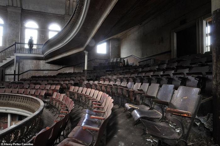 Оперный театр в Дерби