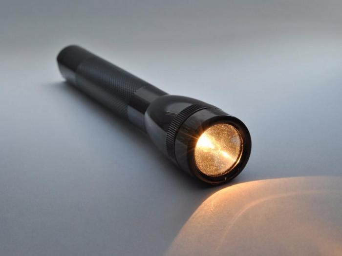 Ручной фонарик Maglite