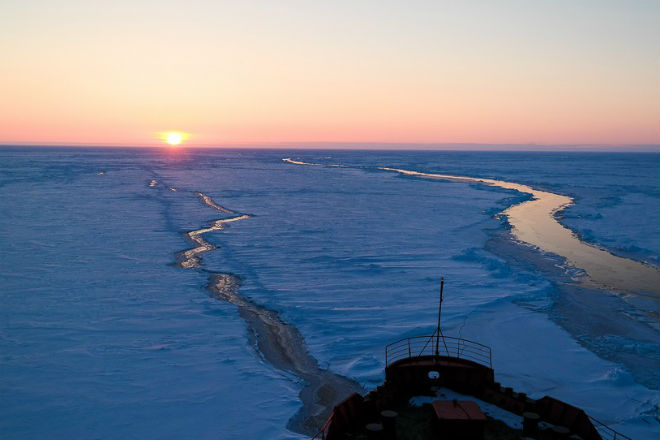 Какой лед способен проломить атомный ледокол
