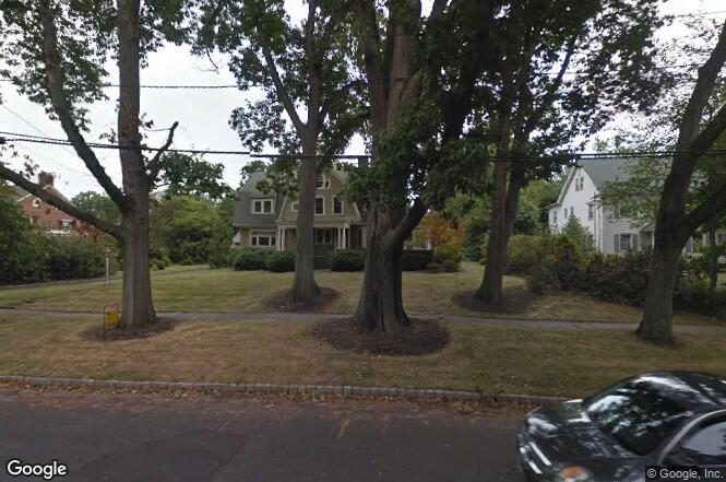 В Нью-Джерси жуткие письма выгнали семью из купленного ими дома (4 фото)
