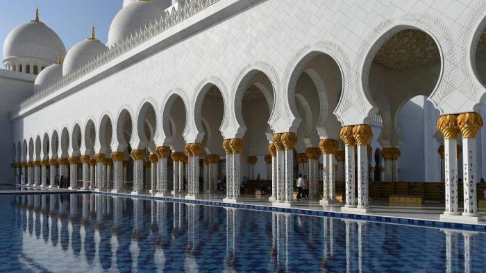 Мечеть шейха Зайда в Абу-Даби: тайны величайшего места поклонения в мире (6 фото)