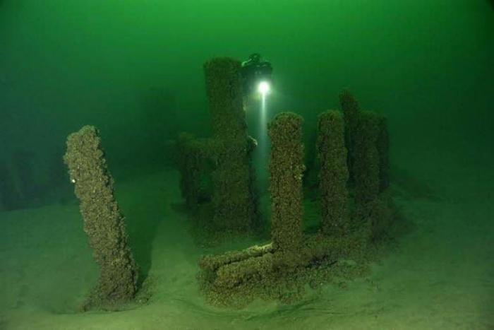Древняя каменная конструкция в озере Мичиган, США врата, другие миры, измерение, инопланетный разум, памятники, порталы, технологии