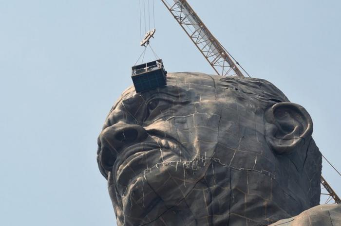 Статуя изображает последователя Ганди Валлабхаи Пателя, которому приписывают объединение Индии в мире, габариты, индия, новости, размер, статуя