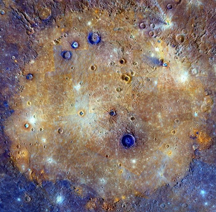 Кратер Калорис, или Море жары, — одна из самых больших ударных форм рельефа на планете