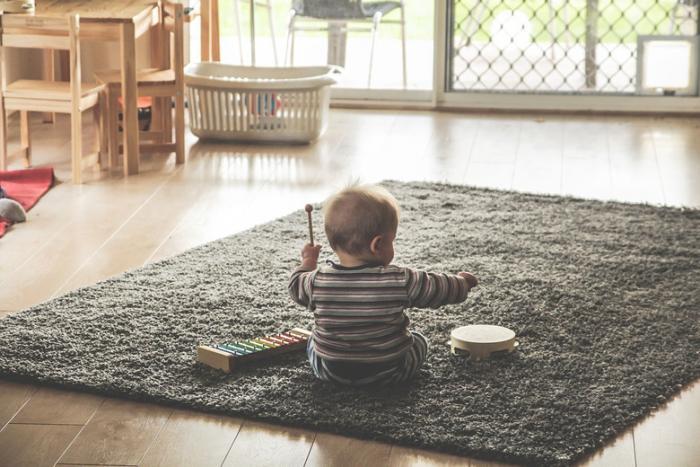 Призрак пообщался с ребенком и оставил сообщение в смартфоне (3 фото)