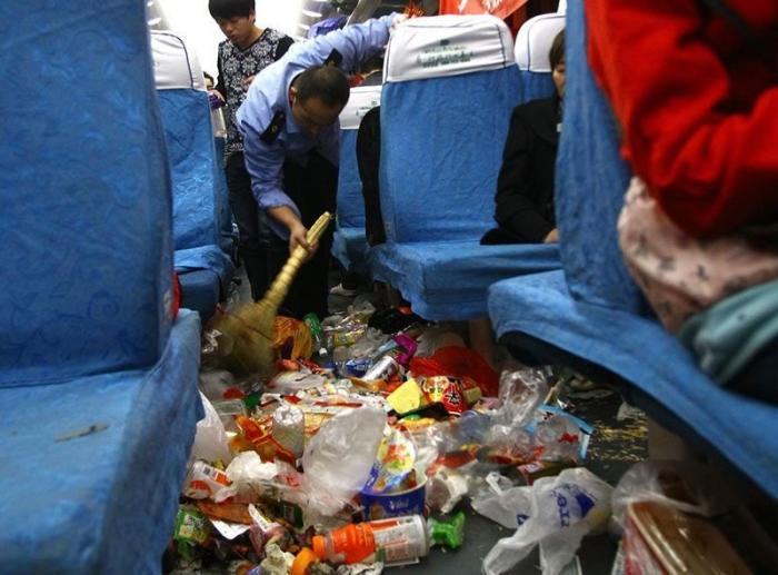 Во время праздников в китайских поездах больше мусора, чем людей интересное, китай, мусор, поезда, путешествия, фото