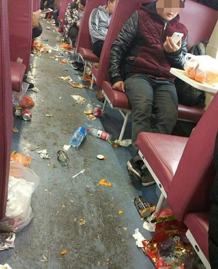Гиды сообщили, что китайские туристы загадили всю Москву интересное, китай, мусор, поезда, путешествия, фото