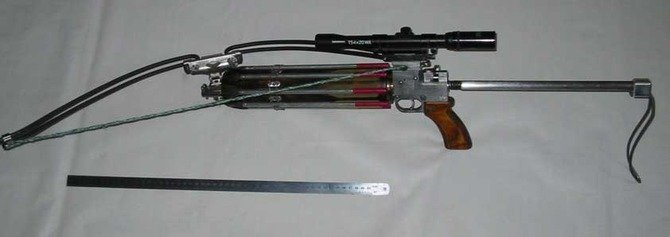 Скорострельный арбалет-револьвер 21 века (12 фото)