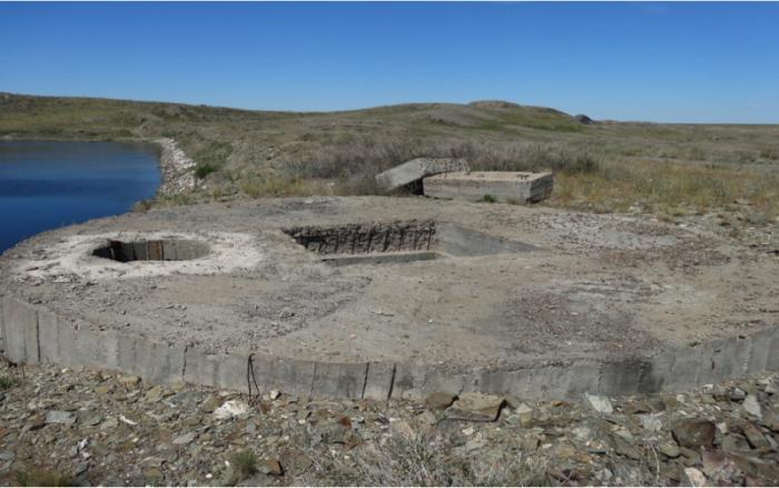 Чаган: самое радиоактивное озеро в мире (4 фото + видео)