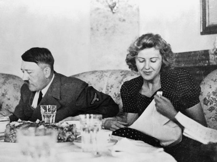 «Я не могу этим заниматься»: что не так было с личной жизнью Гитлера
