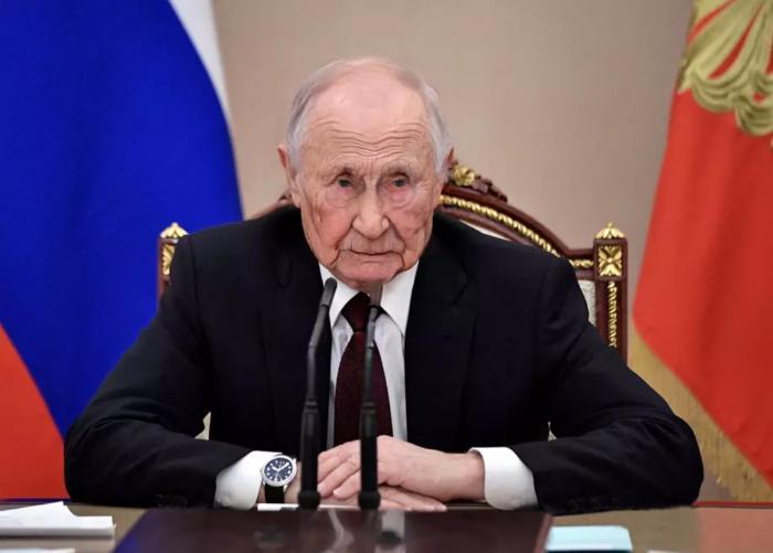 «Путин ведь уже не президент?» – вопрос прибывшему из 2036 года Джону Тайтору