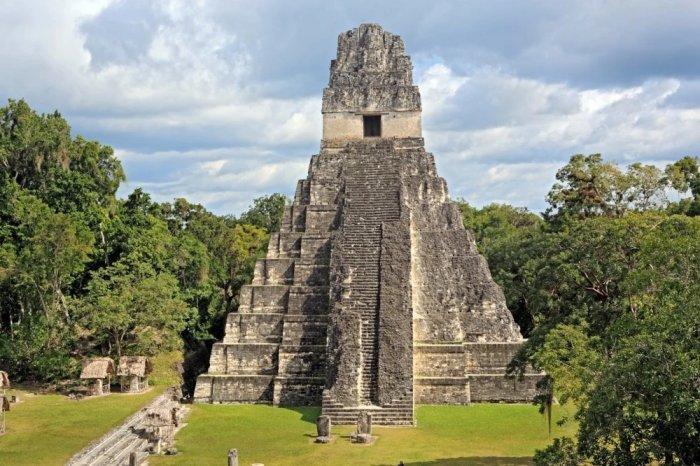 В Древнем кодексе Майя говорится,что люди живут в 4 мире! А что произошло в первых трех мирах? (5 фото)