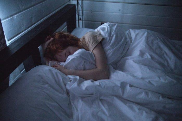Проснулась среди ночи и другие приметы про бессонницу, которые проверены не одним поколением