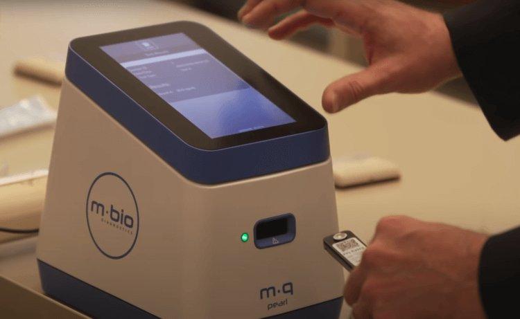 Микрочип позволит обнаружить COVID-19. Чипирование началось?