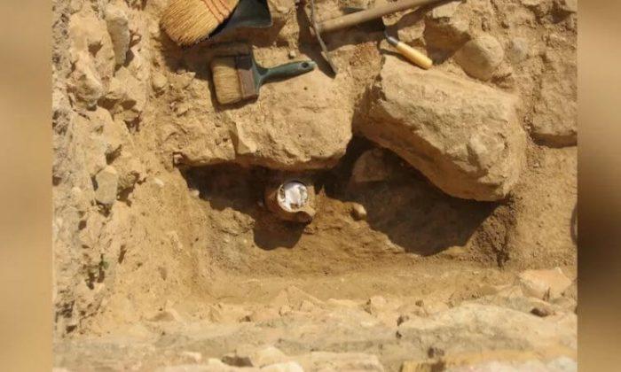 В Афинах нашли кувшин с древним «проклятием». На что он способен?