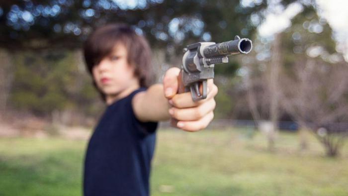 Стрелять из ружья — ссора, которая завершится примирением.