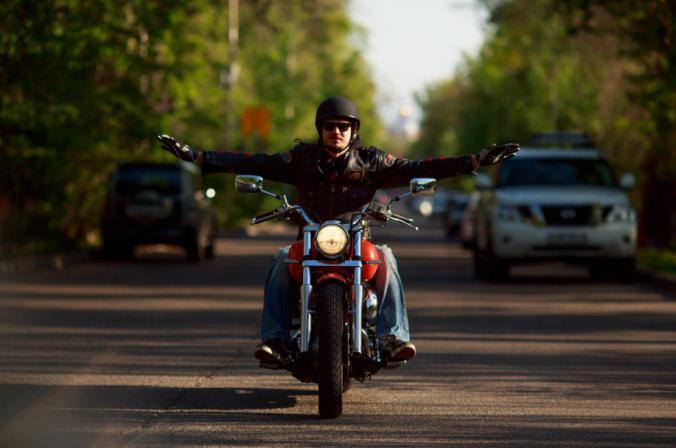 Если мужчина увидел в грёзах, якобы он байкер, и ему пришлось ездить на мотоцикле, грядут изменения.