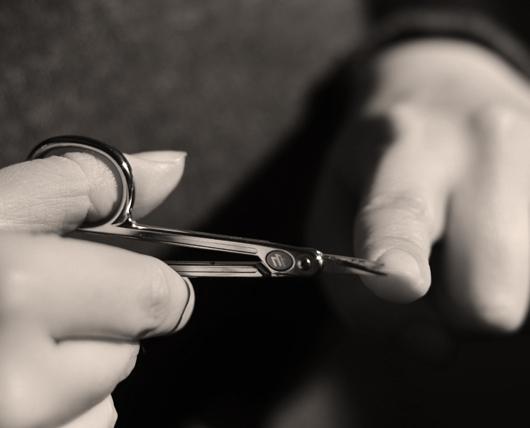Ногти стричь во сне - что это может значить?