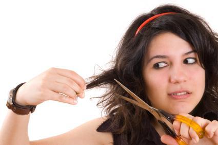 К чему во сне подстричь волосы себе