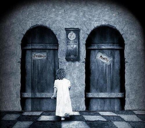 k-chemu-snitsya-otkrivat-dver
