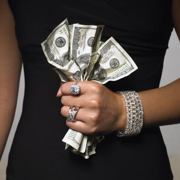 У 30-річної мешканки Херсонщини викрали 22000 грн