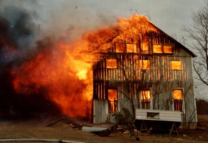Если снится что горят дома
